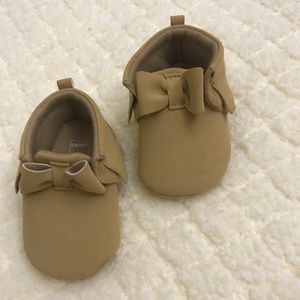 Carters Baby Moccasins Size 6-9 month